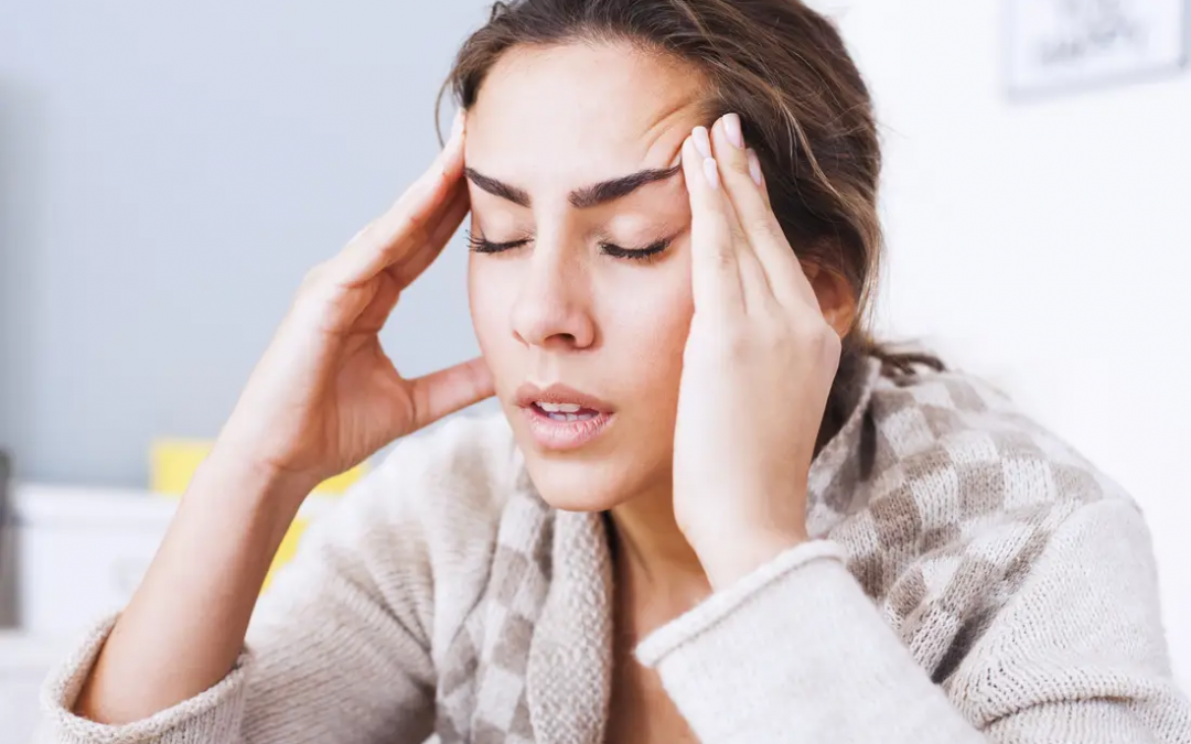 5 signs that neck tightness are causing your headaches